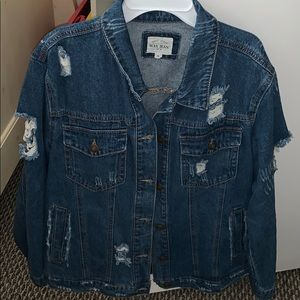 💙distressed denim jacket